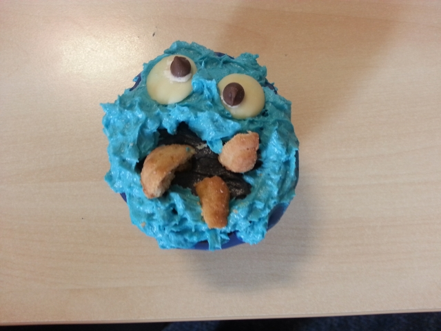 A cookie monster cup cake!
