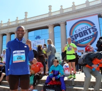 Eugene Howson runs in the Barcelona Marathon